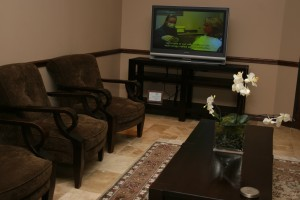 A comfortable reception area at Dr. Farahbod's Galleria Cosmetic Dentist office